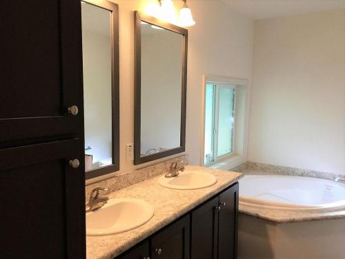 Master Bath Double Sink Vanity Soak Tub Walk-in Shower